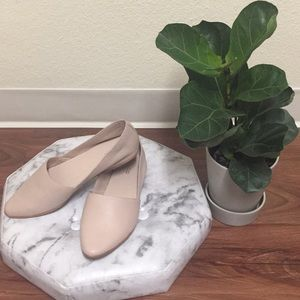 Aldo flats (brand new). Cute for any outfit.